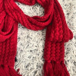 Gap Scarf with Tassles